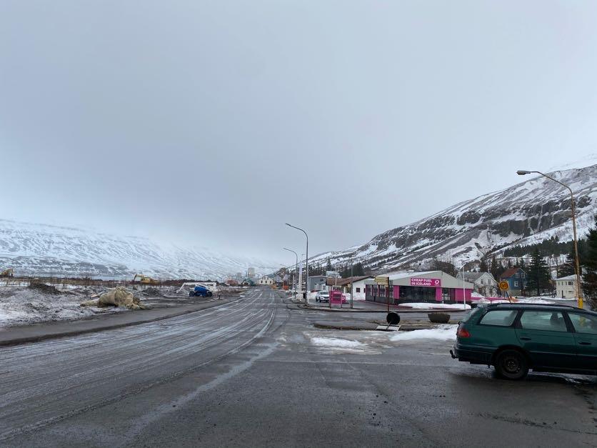 Seyðisfjörður: Rýming endurmetin um hádegisbil í dag.